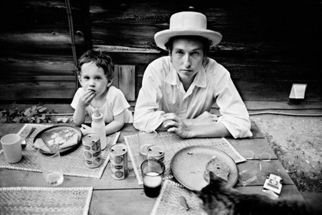 Bob Dylan with son Jessie 1968